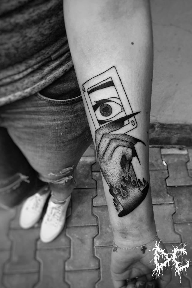 Dobry Chłopiec Tattoo - tatuaż projekt karta dłoń dotwork