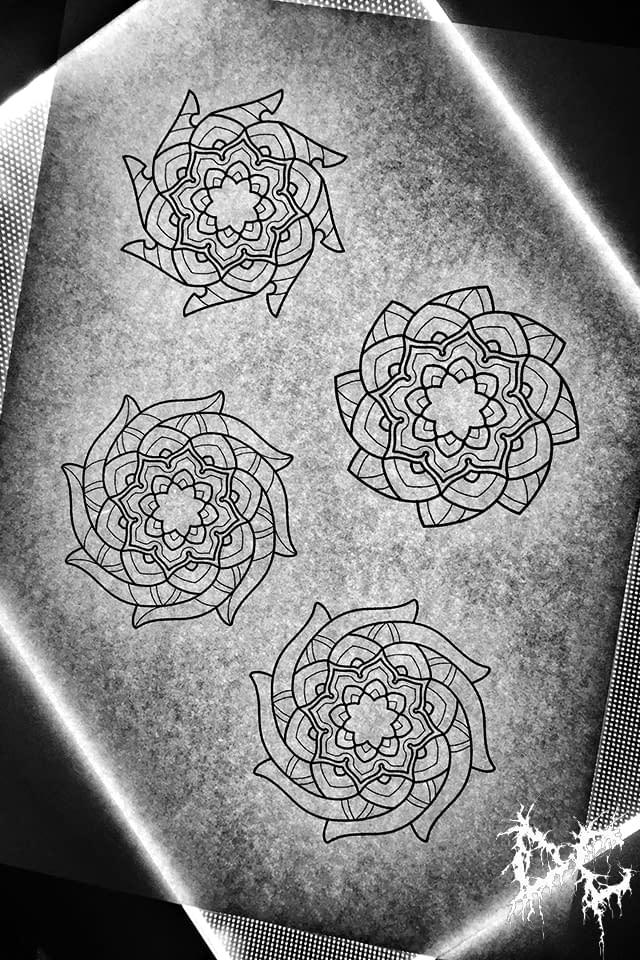 Dobry Chłopiec Tattoo Lublin - tatuaż kwiaty kształty mandala